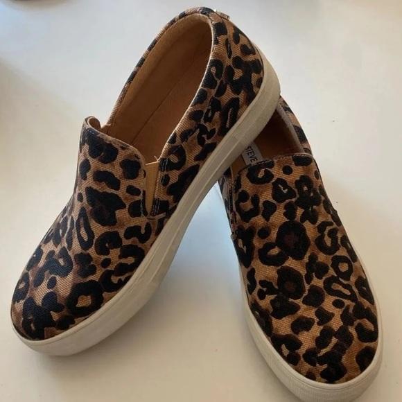 Steve Madden Shoes - Steve Madden Gills Platform Slip-On
